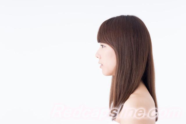若い女性の横顔